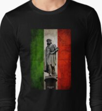 Christopher Columbus Statue with Italian Flag Long Sleeve T-Shirt