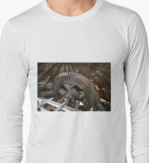 Cley Windmill machinery Long Sleeve T-Shirt