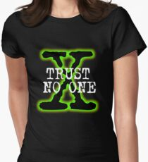 Trust No One Women's Fitted T-Shirt