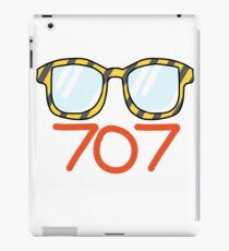 707's glasses iPad Case/Skin