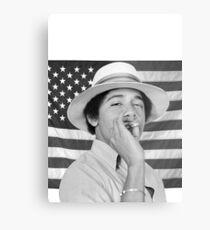 Junger Obama, der mit amerikanischer Flagge raucht Metallbild
