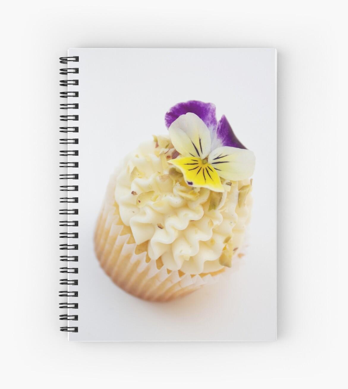 Little Flower Cupcake by artofcake