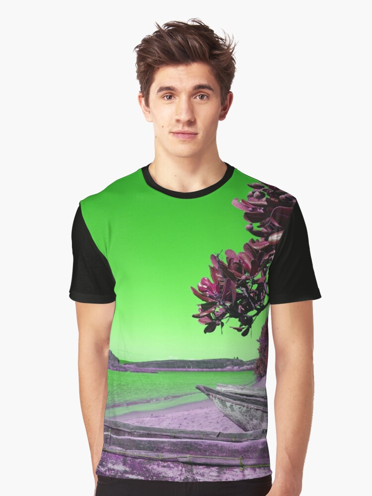 Manafiafy in Green Graphic T-Shirt Front