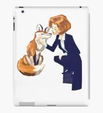 trust of a fox - x files iPad Case/Skin