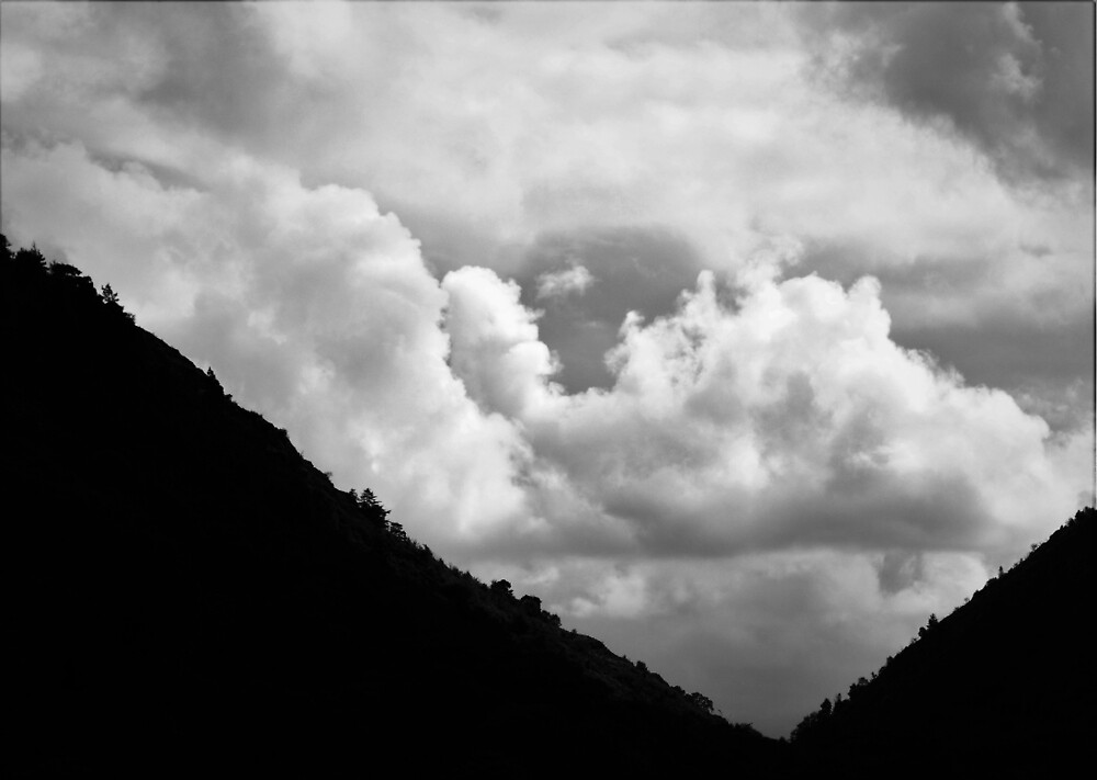 Cloud over mountain Black and White by erobphotography