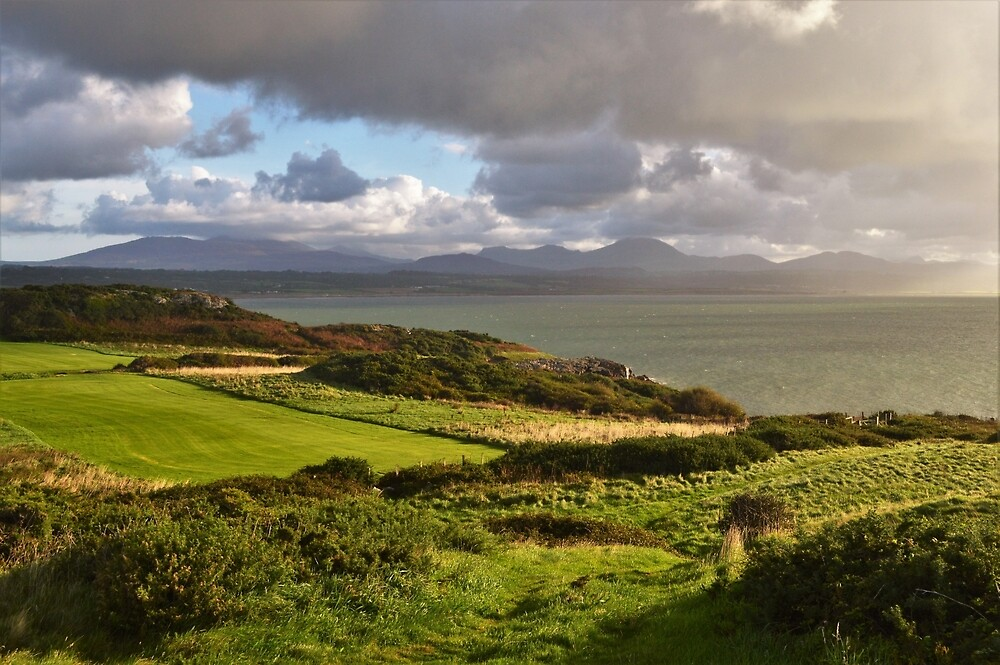 Dawn over Cardigan Bay - Cloudy by erobphotography