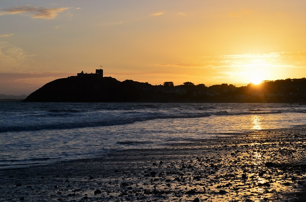 Sunset over Criccieth Castle by erobphotography