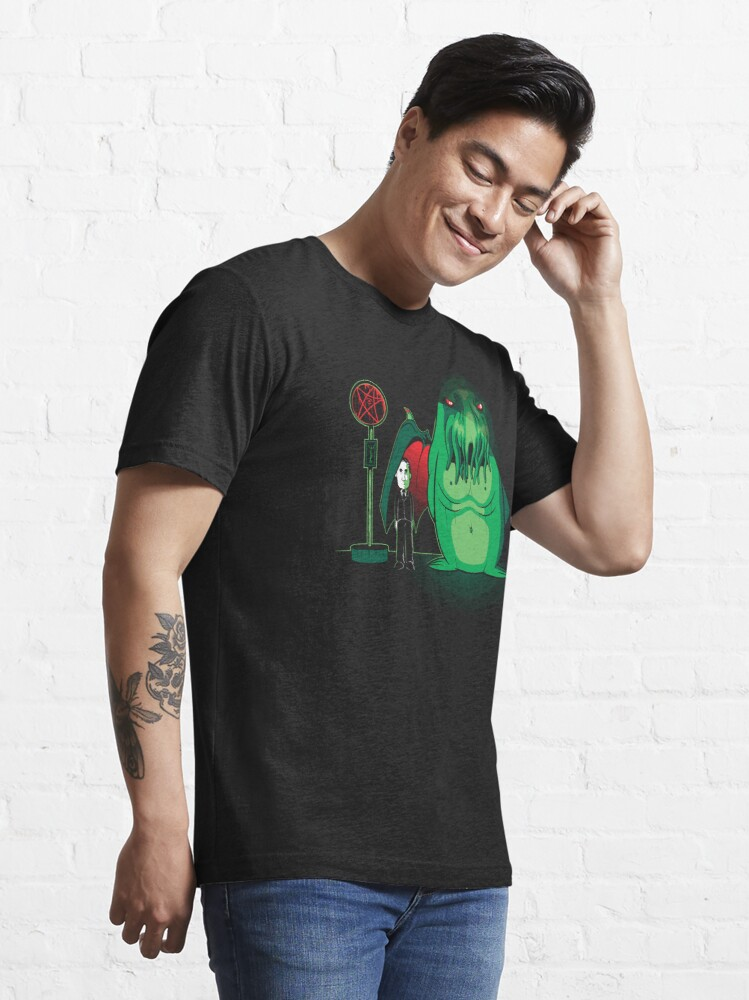 Alternate view of Cthulhu Waits Essential T-Shirt