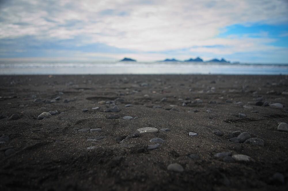 Icelandic beach by thomasnicodeme