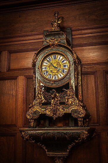 Gold Clock by angrypixel
