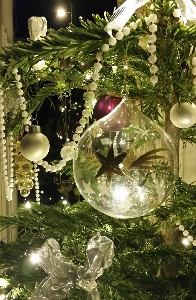 Christmas Baubles by Suzanne Lewis