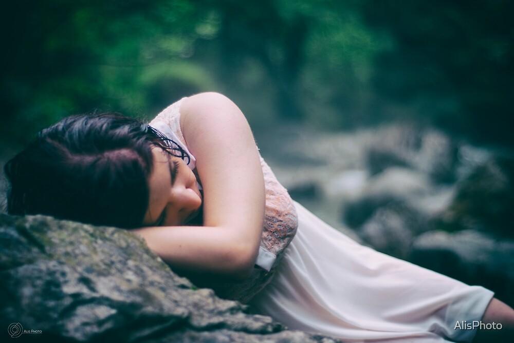 Sleeping by AlisPhoto