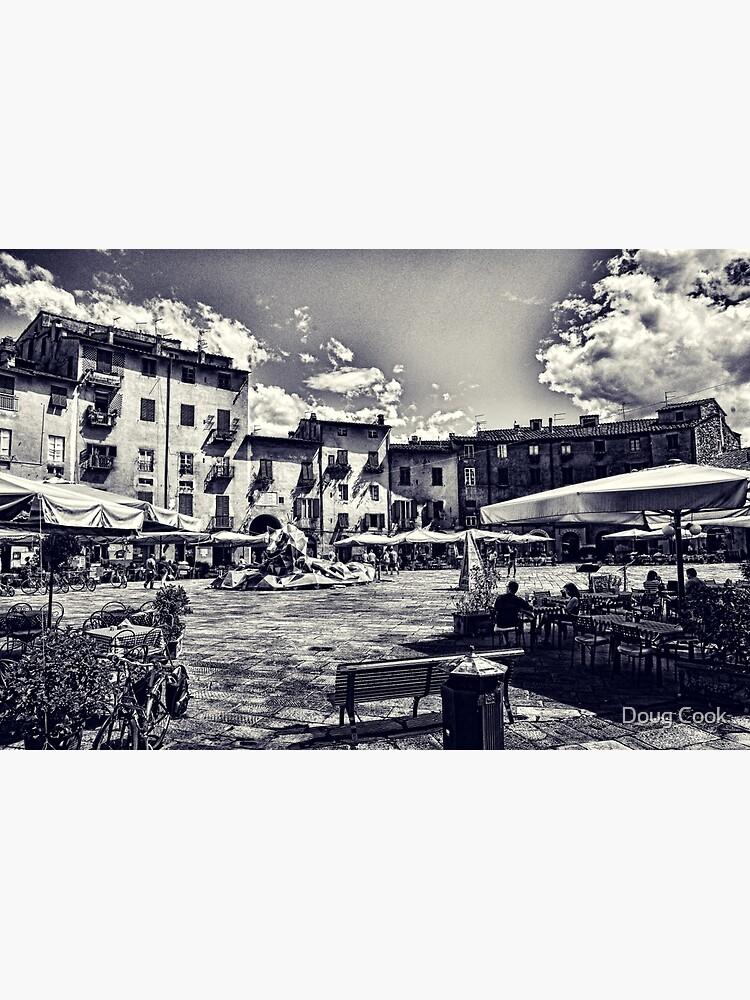 Piazza della Anfiteatro - Lucca by DougCook