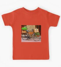 Old bicycle in Tuscany Kids Tee