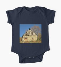 Barn in the countryside One Piece - Short Sleeve