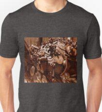 Rusty sculpture T-Shirt