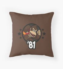 Video Game Heroes - Donkey Kong (1981) Throw Pillow