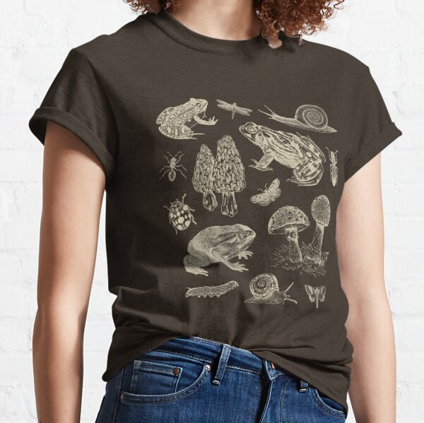 Goblincore Frog Mushroom Snail Moth Insect Vintage Biology Nature Lover - Science Biology Natural History Classic T-Shirt