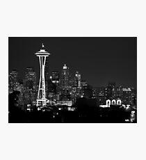 Downtown Seattle bei Nacht (schwarz und weiß) Fotodruck