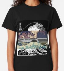 the great wave color glitch  Classic T-Shirt