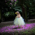 A fairy amongst the petals by kaotic-shell