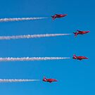 Red Arrows mirror roll by Gary Eason