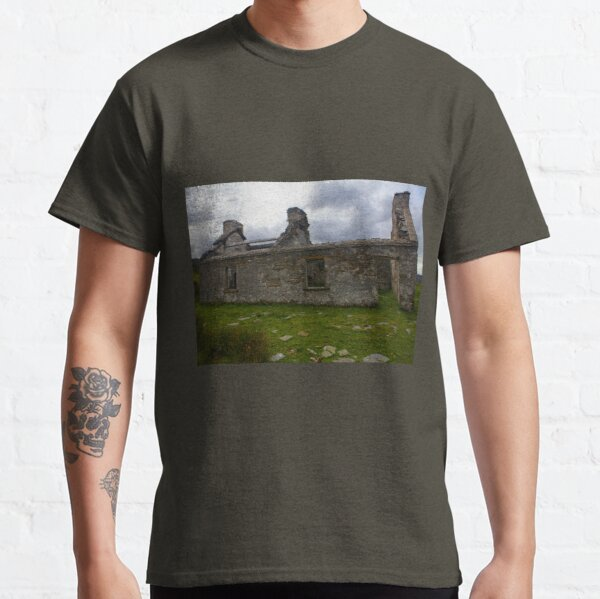 Ruined Cottage at Cashelnagor, County Donegal, Ireland Classic T-Shirt