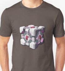 Companion cube has a heart T-Shirt