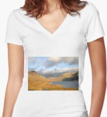 Wasdale, Cumbria Women's Fitted V-Neck T-Shirt