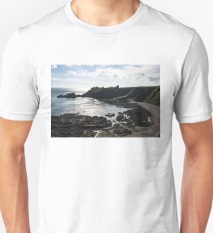 Dunnottar Castle Scotland Low Tide T-Shirt