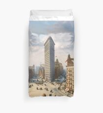 Flat Iron in New York City, ca 1903 colorized Duvet Cover
