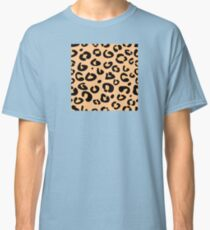 Leopard seamless texture. Animal skin background Classic T-Shirt