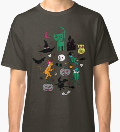 Retro Halloween - on grey - Halloween pattern by Cecca Designs Classic T-Shirt