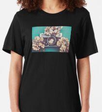 Kamera & Hortensie Slim Fit T-Shirt