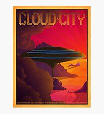 Lámina fotográfica Cartel de viaje retro de ciudad en la nube