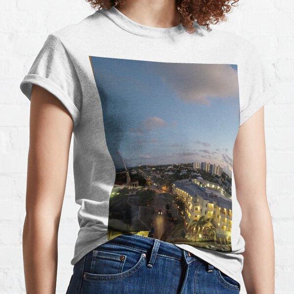 Horizon Art Classic T-Shirt