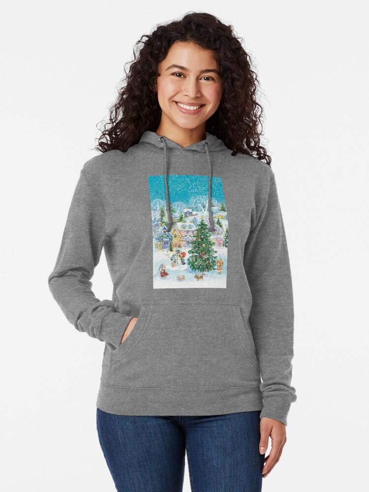 Vista alternativa de Sudadera ligera con capucha Una ciudad acogedora en el invierno