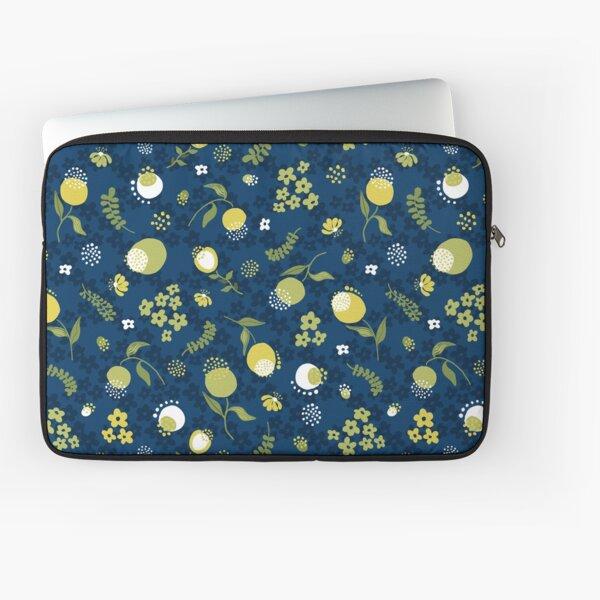 Zesty Floral pattern Laptop Sleeve