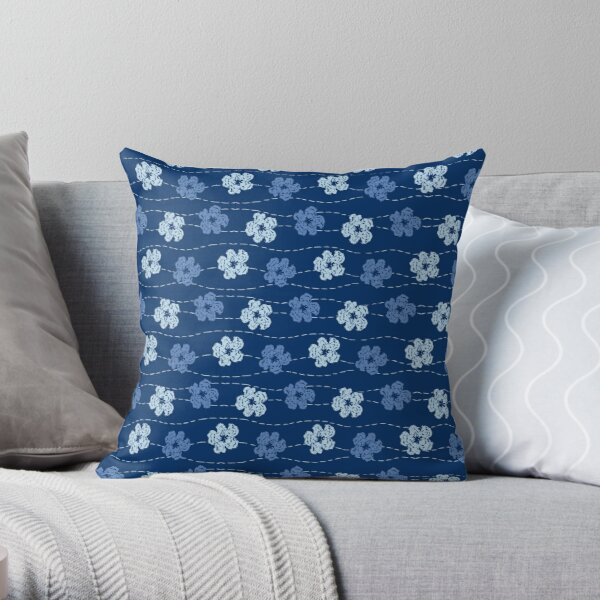 Embroidered look flowers pattern - stitched effect flowers Throw Pillow