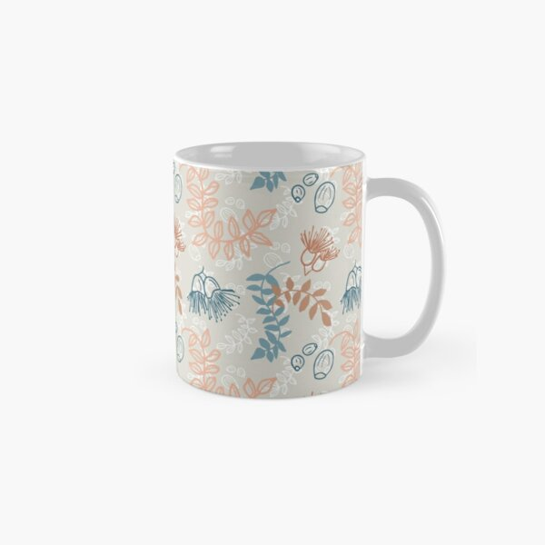 Simple nature, leaves, flowering gum and gum nuts pattern - eco friendly, nature based Classic Mug
