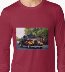 1932 Ford 'Fenders and Flames' Coupe Long Sleeve T-Shirt