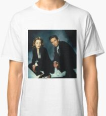 X-Files -Mulder and Scully Classic T-Shirt