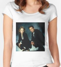 X-Files -Mulder and Scully Women's Fitted Scoop T-Shirt