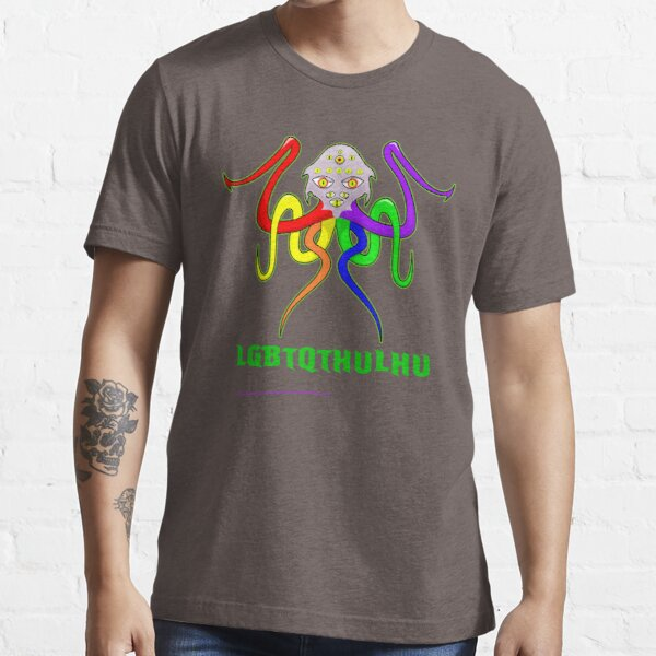 Love(craftian horror) knows no bounds Essential T-Shirt