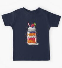 Strawberry and Blueberry shortcake in a jar Kids Tee