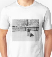Snow dog (North Saanich, Vancouver Island, British Columbia, Canada) Unisex T-Shirt