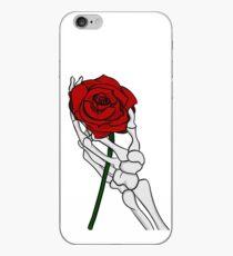 Rose avec la main de squelette Coque et skin iPhone