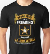 Army - Proud Wife Of A Freaking Awesome Us Army Veteran T-Shirt