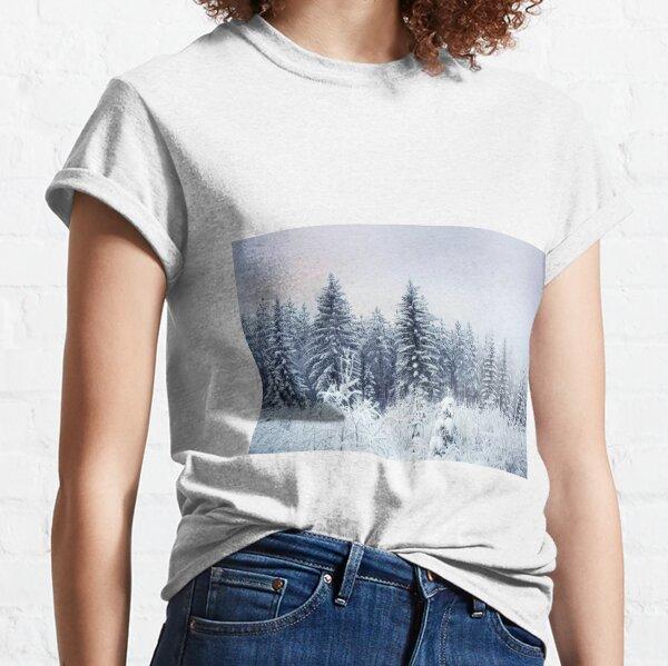 Où naissent les arbres de Noël T-shirt classique