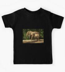 Animal - Elephant - Tight knit family Kids Clothes